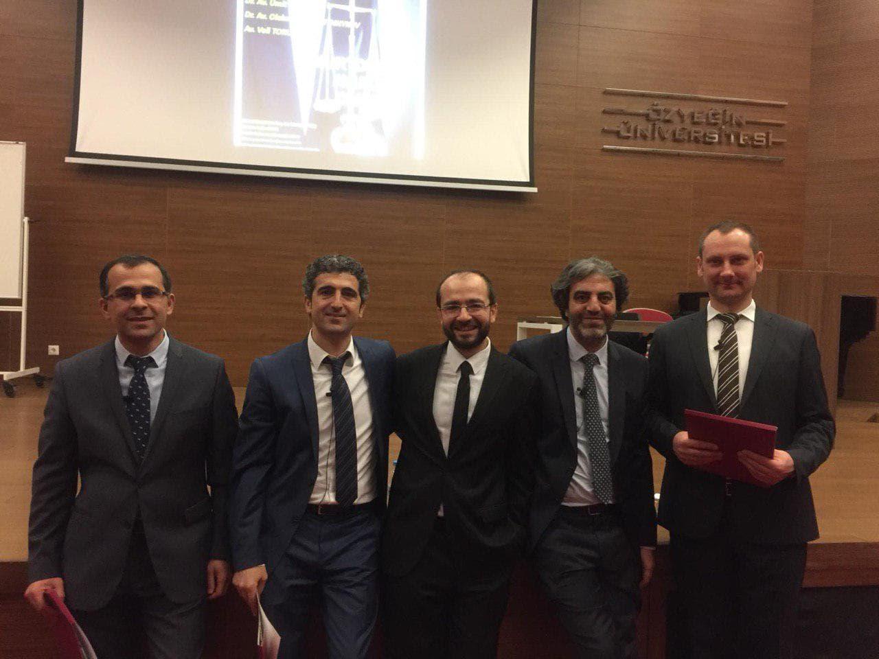 Alexander Ovchinnikov participer à une conférence sur la profession d'avocat, à Istanbul (Turquie)